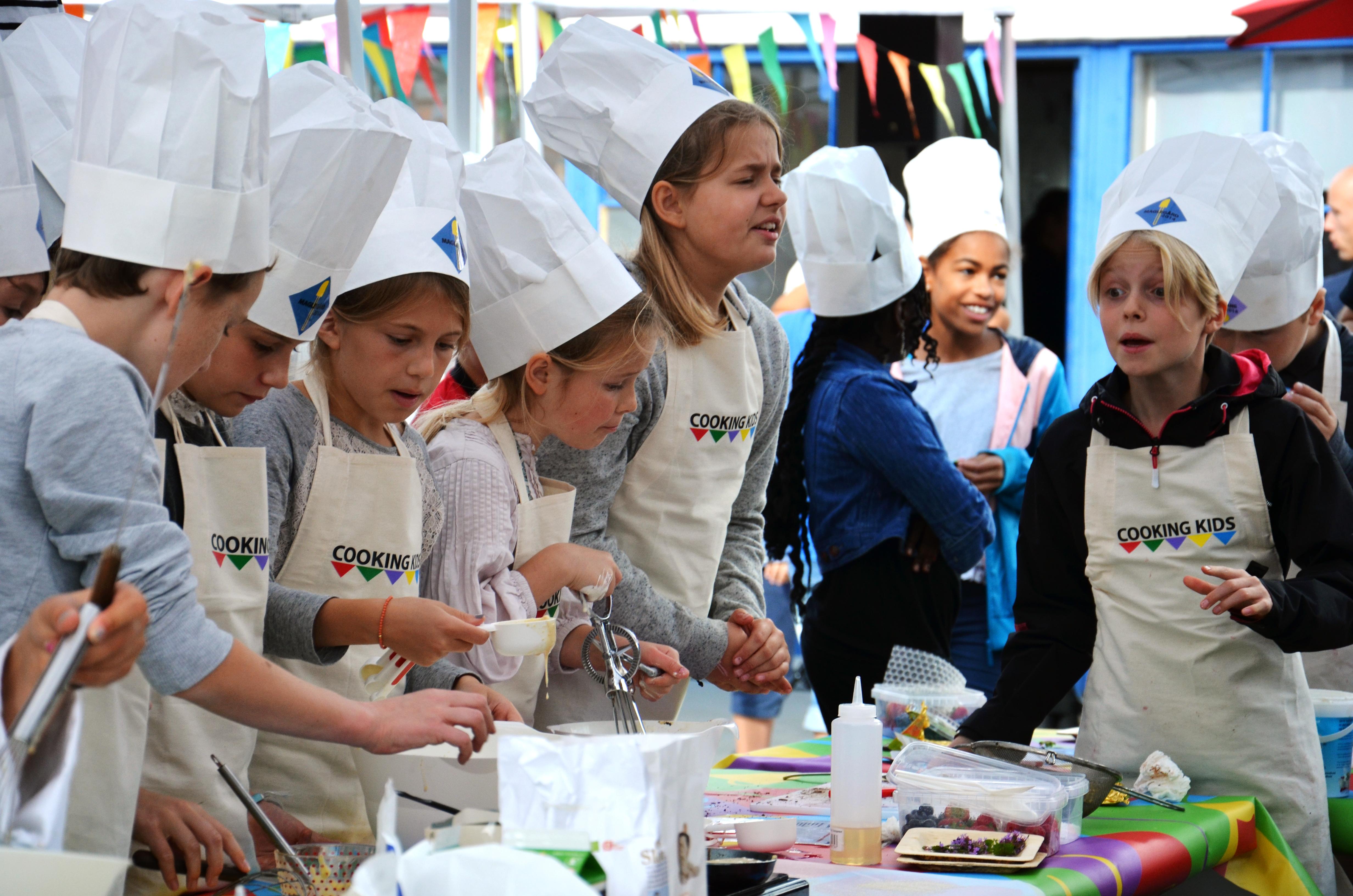 6 kids cooking